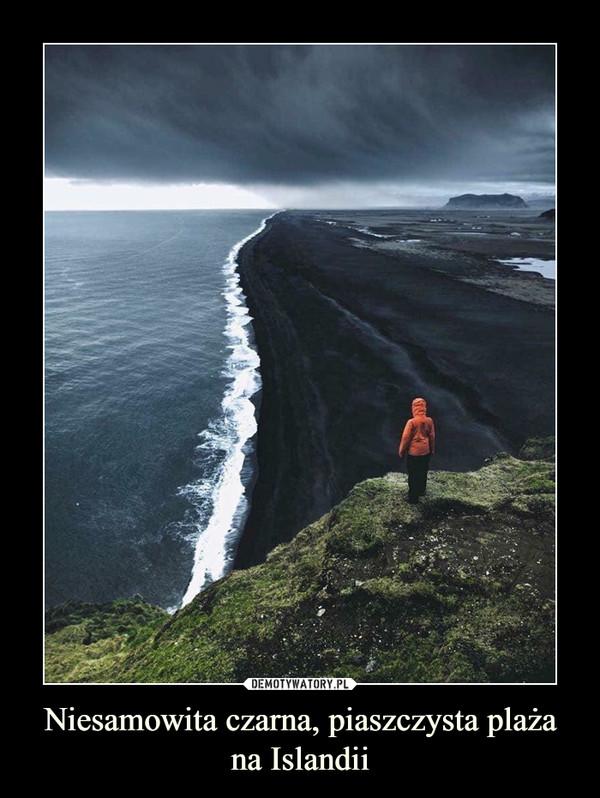 Niesamowita czarna, piaszczysta plaża na Islandii –