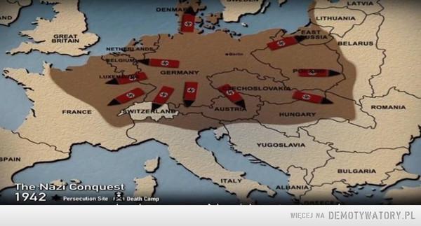 Tak prezentacja w Yad Vashem prezentuje agresję nazistowskich Niemiec na kraje Europy. W 1942 roku. Z Białorusią na mapie i z Wschodnimi Prusami, które chyba nie należą do Niemiec bo one też wyglądają na zajmowane w czasie walk. Chyba zajęli też Włochy. –