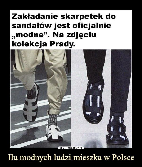 """Ilu modnych ludzi mieszka w Polsce –  Zakładanie skarpetek dosandałów jest oficjalnie""""modne"""". Na zdjęciukolekcja Prady."""